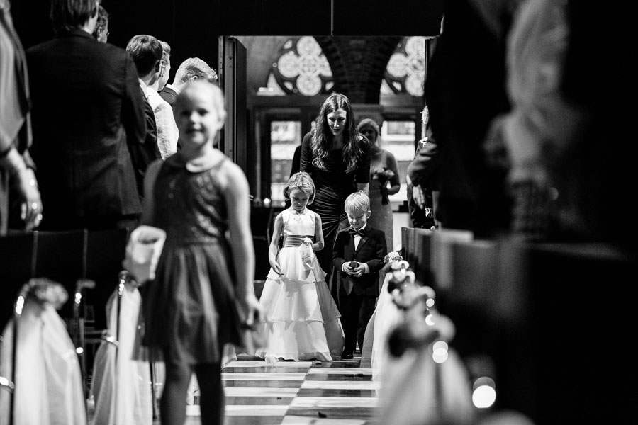 Amsterdam international fall wedding Posthoornkerk Westerliefde by Dutch wedding photographer Evert Doorn 15