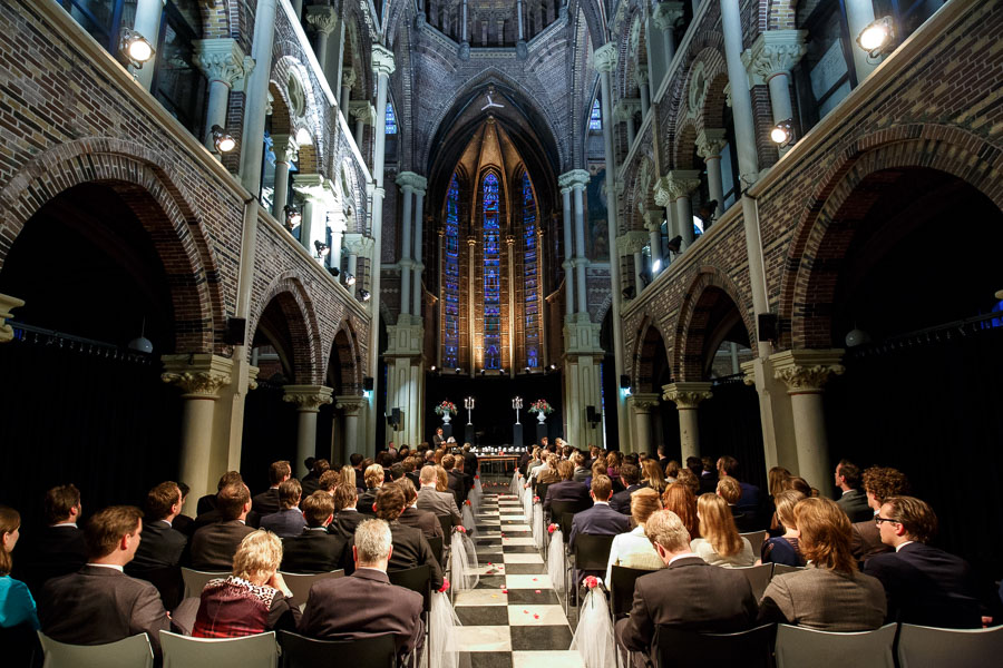 Amsterdam international fall wedding Posthoornkerk Westerliefde by Dutch wedding photographer Evert Doorn 17